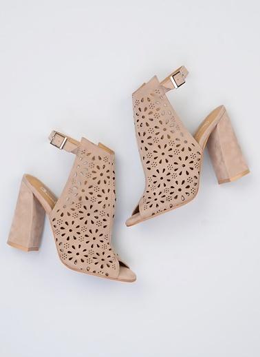 Bambi Ayakkabı Bej